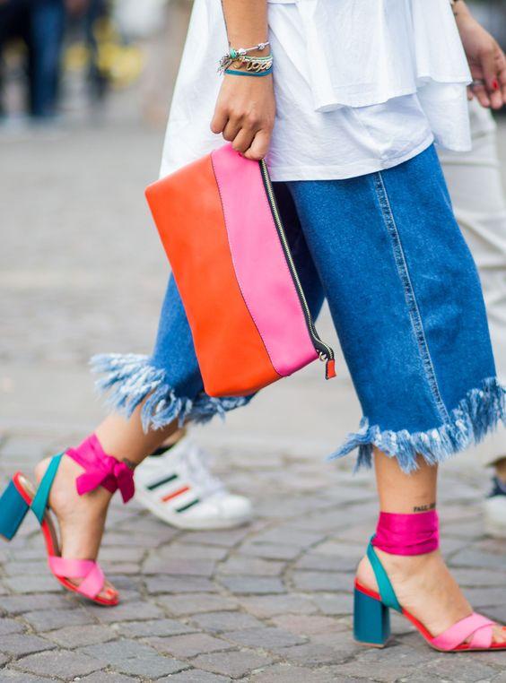 Zapatos de tres tonos combinados con el outfit