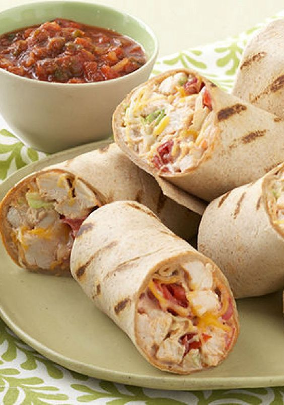 Mexican Grilled Chicken Wrap – These super-easy grilled chicken wraps with coleslaw, cheese, and tomatoes deliver warm Mexican flavors without a lot of prep time–which means they're perfect for dinnertime.