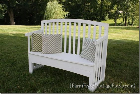 How to turn a crib into a bench with out it looking like you turned a crib into a bench. - Farm Fresh Vintage Finds