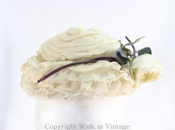 Vintage 30s 40s Ladies Lace Hat with Flower Ecru Off White , Union Made WWII Era #Pillbox