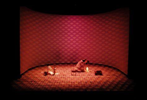 Hashirigaki. Théâtre de Vidy, Lausanne. Set and Lighting design by Klaus Grünberg. 2000