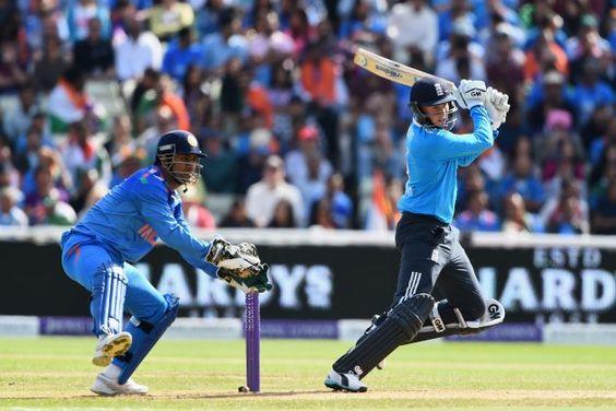 india vs australia mahendra singh dhoni will play the 2023 world cup says michael clarke daily india news pinterest