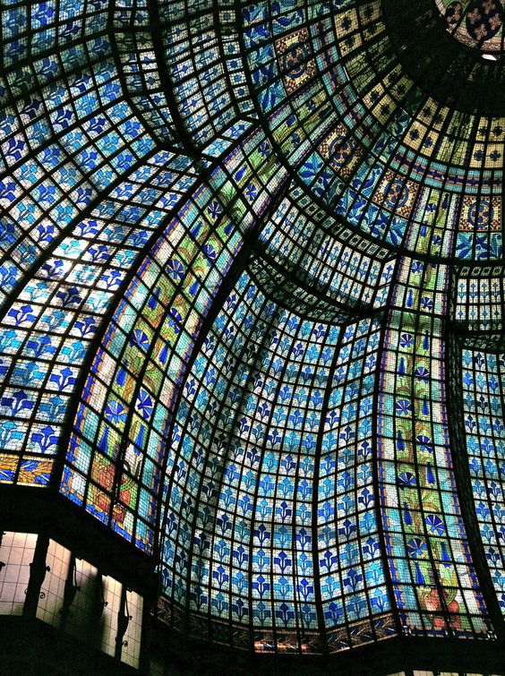 The beautiful stained glass dome in Gallerie Lafayette