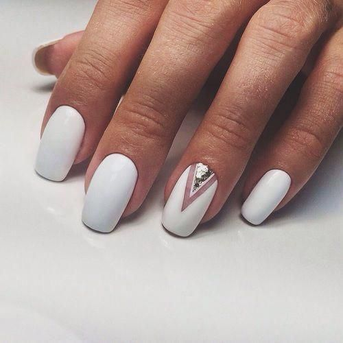 Manicure Geometric Nail Art Ideas ; design de unhas; Геометрия Дизайн ногтей; Дизайн ногтей; geometric nails; white naills; manicure; nail shop; nail salon; #ombrenails