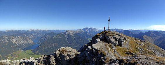 Gipfelglück auf dem Thaneller, Hausberg von Berwang