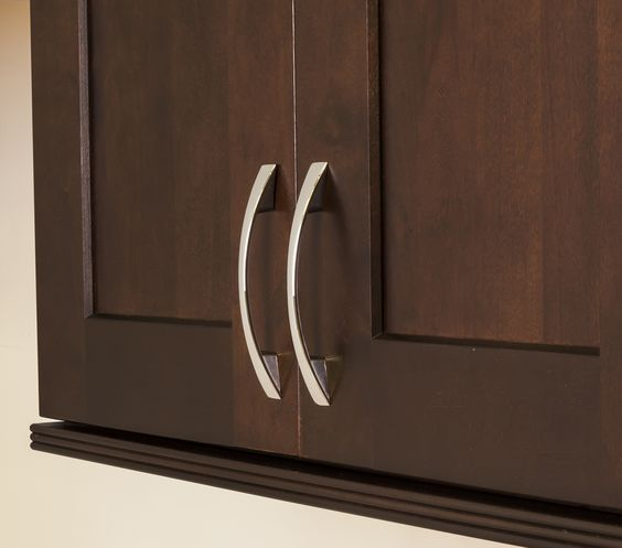 Mirada cabinet pull from Jeffrey Alexander by Hardware Resources ...