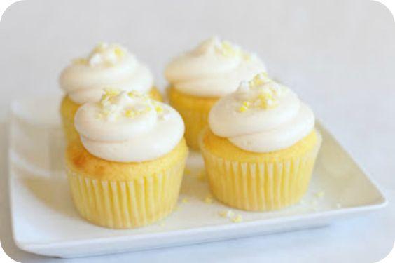 Lemon cupcakes... mmm!