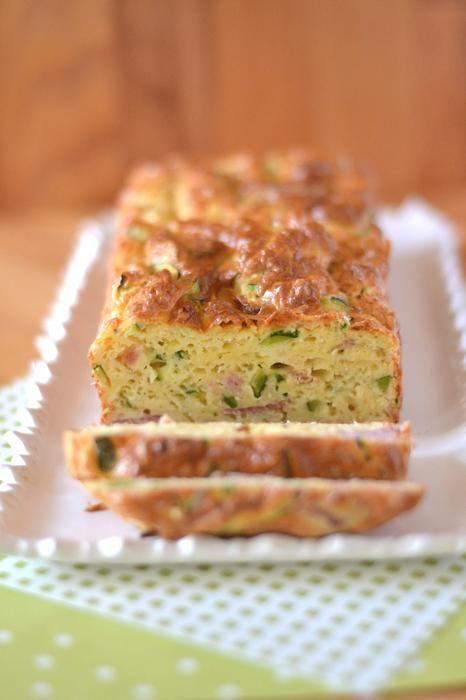 Cake courgettes lardons