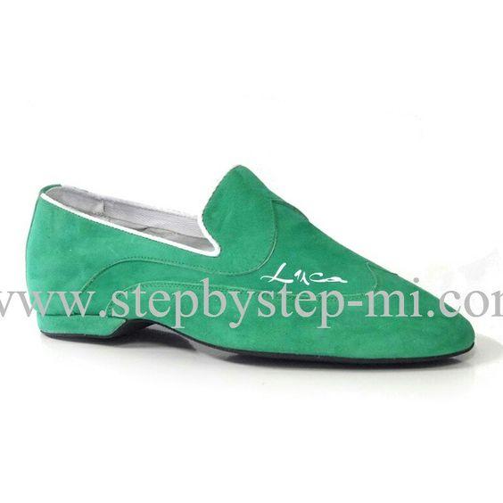Mocassino superflex in camoscio verde con stampa nome personalizzata, suola in gomma.  #stepbystep  #ballo #salsa #tango #kizomba #mocassino #bachata #scarpedaballo #danceshoes  #superflex #pachanga #camoscio #suede #cute #design #fashion #shopping #shoppingonline #glamour #glam #picoftheday #shoe ##style #tagsforlikes #verde #green