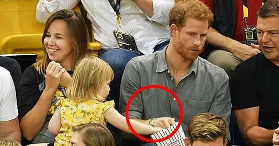 Bocah curi popcorn Pangeran Harry