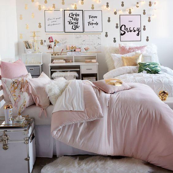 26 Super Cute Dorm Rooms Just The Aesthetics Girls Dorm Room College Room Decor Dorm Bedding Sets