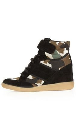 Camo wedge trainers