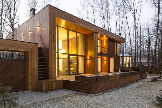 Modern Forest House Near Moscow Illuminating Surroundings