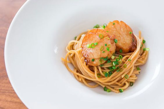 Spaghetti with Soy Sauce and Buttered Scallops