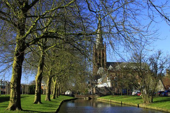 Stadsgracht en St Nicolaas Basiliek