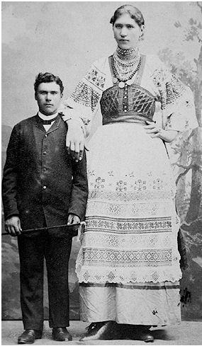 Elizabeth Lyska giantess-1896-with her uncle | Theatre-Stage-Costume | Pinterest | Ha ha