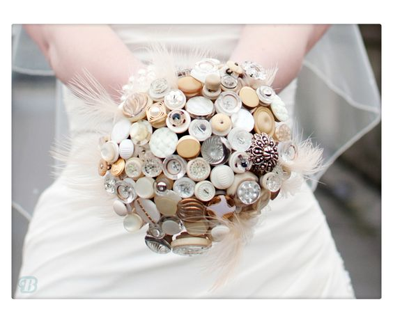 Betsy button bouquet by Beaubuttons | Claire Graham Photography