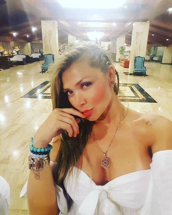 https://www.instagram.com/p/BGknT4hn4UO/?taken-by=mujeresbellascolombia