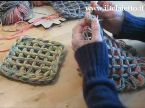 ▶ butterfly loom - 3 modi per unire i quadrati - YouTube