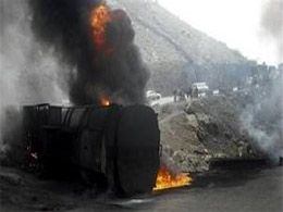 Oil tanker crashes into buildings, kills 21 in Nigeria