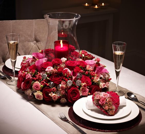 Create an intimate setting for your Valentine's Day meal with this beautiful floral table design