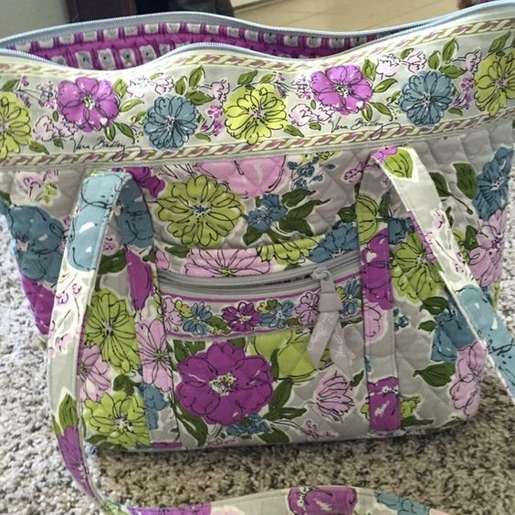 Vera Bradley Watercolor Villager Gently used Vera Bradley Villager. Gentle normal wear on the straps as shown. Just cleaning out my closet and this one does not get used. Vera Bradley Bags Satchels