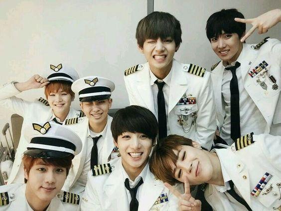 BTS [ 방탄소년단 ] ♡
