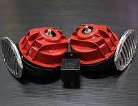 รหัสสินค้า N7  แตรหอยโข่ง (แดง)  ส่องสว่างได้ไกล ใช้ต่อเข้ากับไฟ 12 V ติดได้ทั้งรถจักรยานยนต์และรถยนต์   (ใช้กับไฟ 12 V เท่านั้น)  ปกติ  350.-  ลดเหลือ  280.-