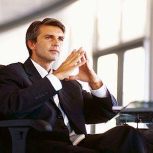 2 habilidades esenciales a desarrollar para ser un empresario con exito:  El empresario, el propietario o propietarios de la empresa tienen que desarrollar habilidades (no técnicas) que les permitan desarrollar su negocio con éxito.  .Concentración .Discriminación (prioridad) .Organización .Innovación .Comunicación