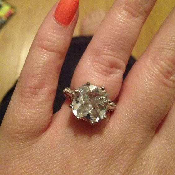 Sterling silver Cz stone ring, Avon, size 7 Beautiful sterling silver Avon ring, cubic zirconia stone with extenders, size 7. These pictures do not do this ring justice. Avon Jewelry Rings