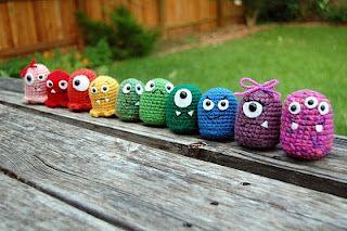 crocheted monsters  http://craftyiscool.blogspot.com/p/free-patternstutorials-baby-monsters.html