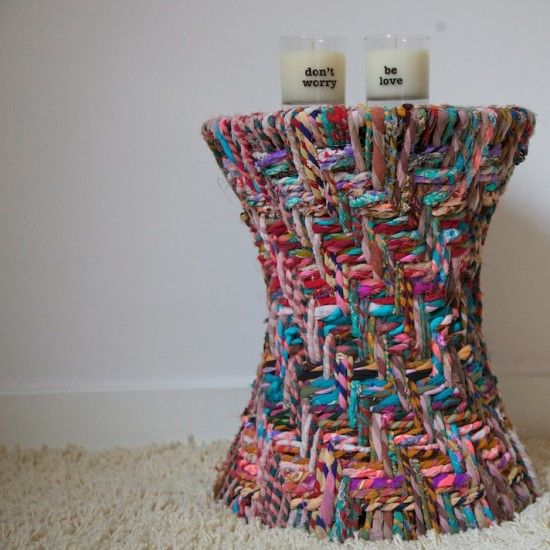 Mesita de Zara hecha de trenzada y velas