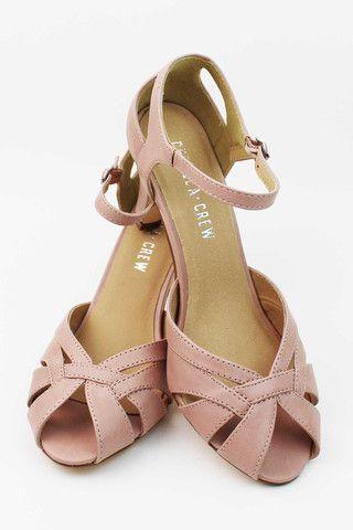 Chester by Chelsea Crew  #EsLaVidaNY #ShopEsLaVida #EsLaVidaShoes #Shoes #Fashion #Summer #Spring #Pink #NewYork