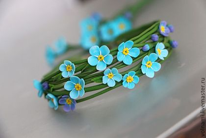 """Незабудки"" браслет - бирюзовый,браслет,цветочный,цветы из полимерной глины. //  ARE THESE REAL OR CLAY?! IT'S HARD TO TELL....THEY'RE PERFECT!!!  ♥A"