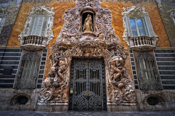 Национальный музей керамики, Гонсалес Марти, Паласио де Дос Агуас, Паласио де Дос Агуас в Валенсии, Museo Nacional de Cerámica y Artes Suntuarias González Martí в Валенсии, традиционной кухни Валенсии, Национальный музей керамики и искусств: