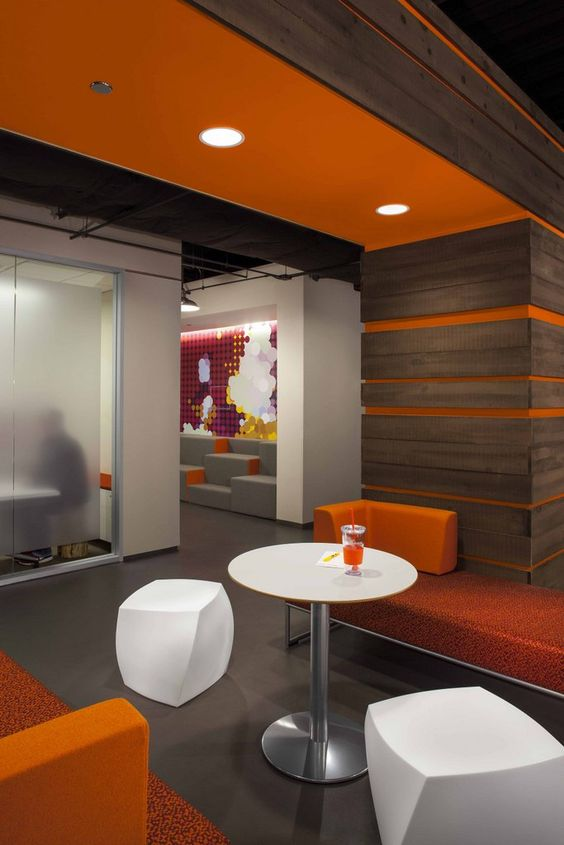 Accent colors design and offices on pinterest for Office wall interior
