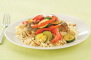 Côtelettes de porc avec légumes glacés--------------La délicieuse vinaigrette remplace l'huile et donne un surcroît de saveur à ce souper de porc tendre.