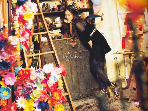 SNSD Taeyeon Love Peace Japan photobook scan