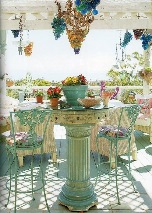 This sweet porch is so fun!: Table And Chairs, Outdoor Living, Shabby Chic, Outdoor Room, Patio Table