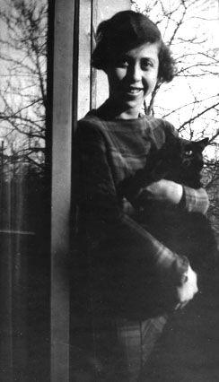 El Caleidoscopio: Iréne Némerovsky y la justicia literaria. Artículo sobre la gran escritora.