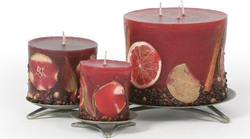 Kerzen mit Früchten bordeaux