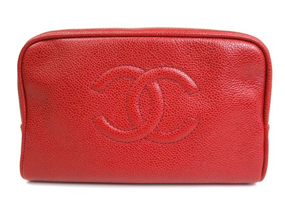 #CHANEL COCO Poach/Clutch Bag Caviar Skin Red (BF076555). Authenticity guaranteed, free shipping worldwide & 14 days return policy. Shop more #preloved brand items at #eLADY: http://global.elady.com