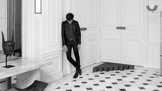 Nicht hauteng, aber schon eng: Hedi Slimane hat das enge Hemd für Dior Homme neu erfunden. Bei Saint Laurent, seinem noch aktuellen Arbeitgeber hat es ebenfalls Platz - auch an ihm