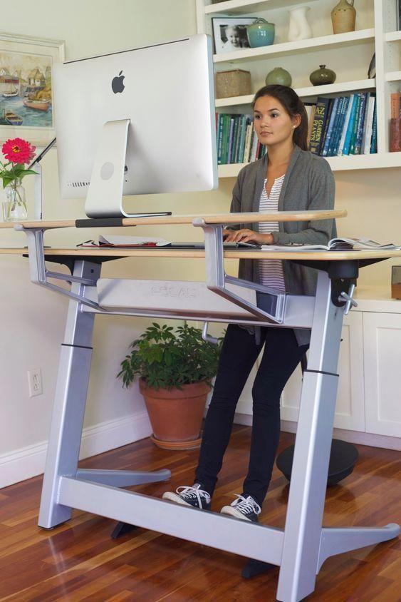 Standing Desks 3 Tips And 23 Cool Examples Desks Examples Standing Computerdeskorganization Diy Standing Desk Standing Desk Office Home Office Furniture