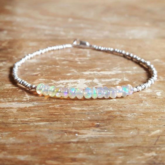Opale Bracelet opale perlée Bracelets Octobre Birthstone Bracelet opale de feu Bracelets Perle Bracelet Bijoux Womens anniversaire adolescente cadeau