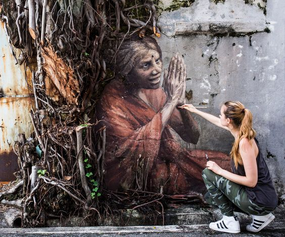 Wow! There is a new street art, Old indian woman drawn by artist Julia Volchkova in Street art. Jalan lumut, Georgetown Malaysia.   Photo Credit : https://www.facebook.com/volchkova.art
