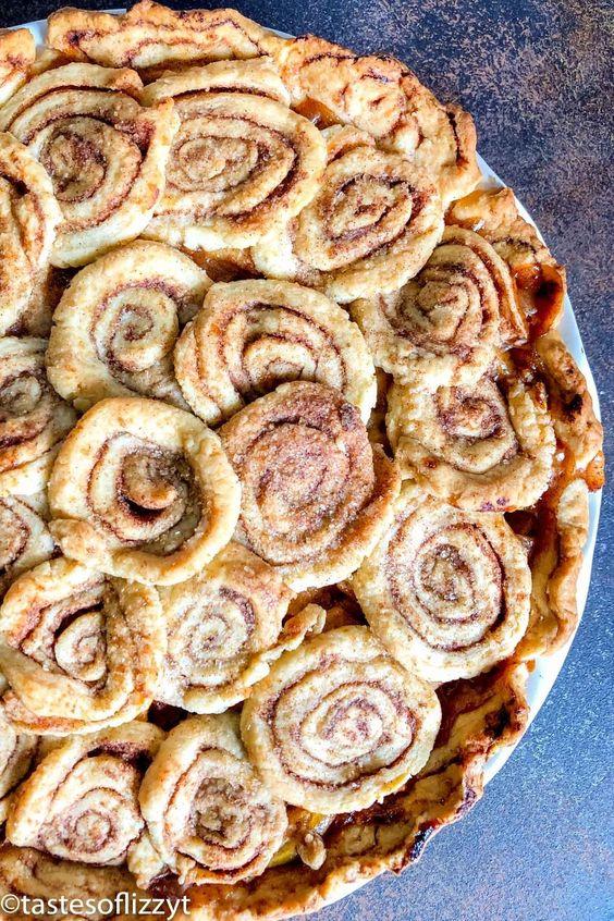 Cinnamon Roll Apple Pie Recipe - Thanksgiving Dessert Recipe