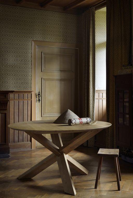50165 Ethnicraft Design Alain Van Havre Table Circle Chene Dimensions L 136 X H 76 X P 136 Cm Notre Table A Manger C Mobilier De Salon Table Repas Table