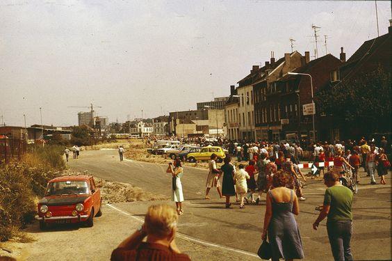 Scan van eigen dia 16-aug-1976 de kijker op de Parallelweg