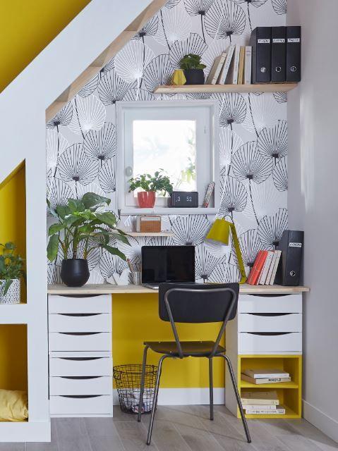 Une Belle Idee Gain De Place Pour Travailler Au Calme Profitez De L Espace En Sous Pente Sous L Bureau Sous Escalier Sallon Salle A Manger Bureau Avec Tiroir